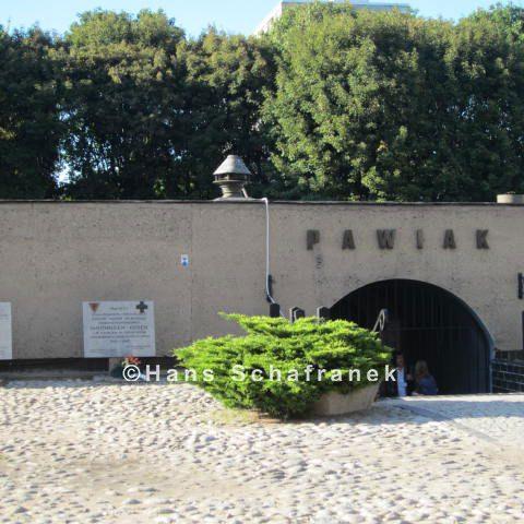 Eingang zum Museum des ehemaligen Pawiak-Gefängnisses