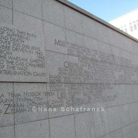 """Denkmal zum sogenannten """"Umschlagplatz"""""""